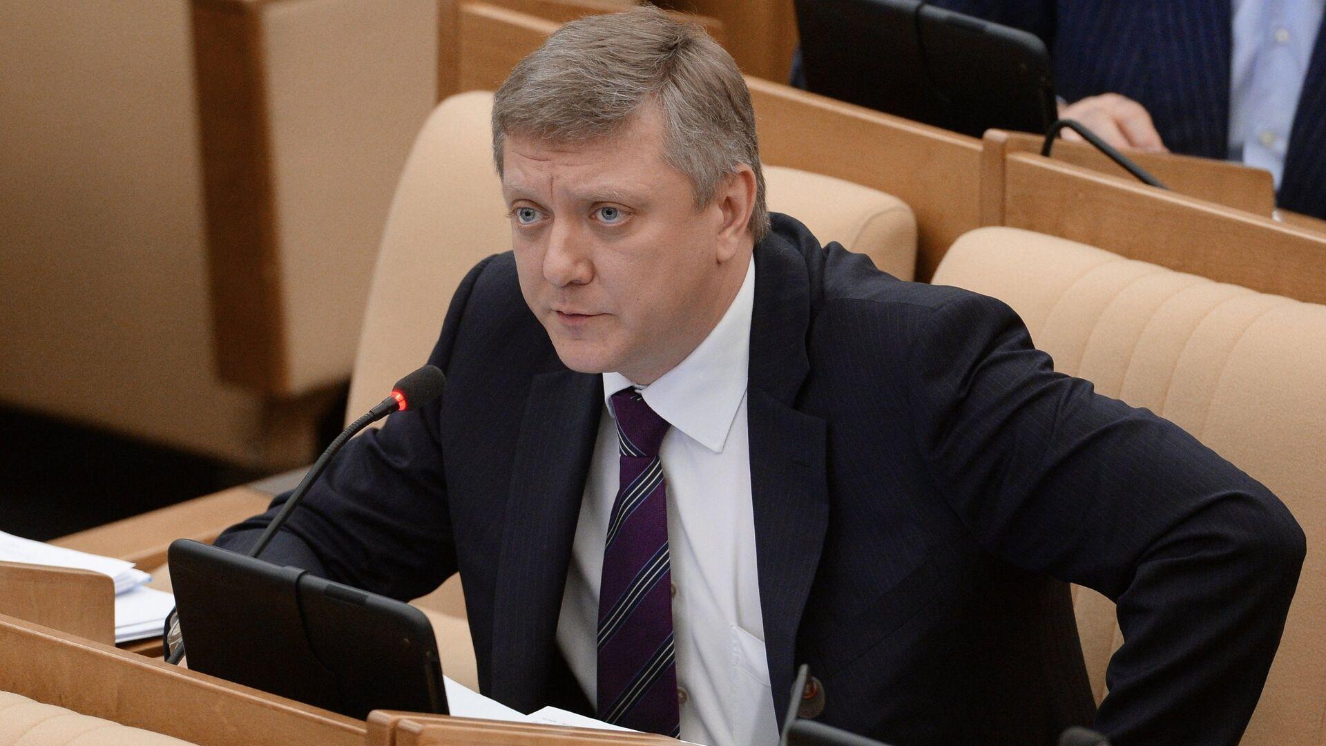 Вяткин назвал подлогом сообщение о его грубом ответе журналистке