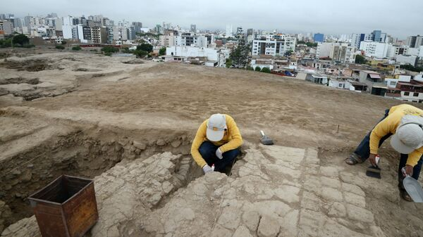 Раскопки в Перу. Архивное фото