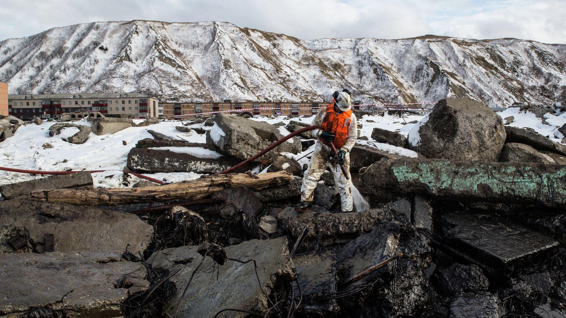 В Черном море около Туапсе появилось новое нефтяное пятно