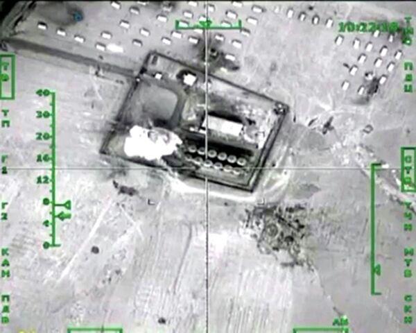 Уничтожение ВКС России нефтеперерабатывающего завода террористов в провинции Хавса-Кебир