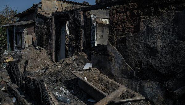 Разрушенный дом. Архивное фото