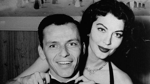 Американский певец и актер Фрэнк Синатра с женой актрисой Авой Гарднер