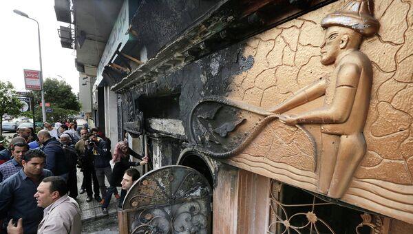 На месте пожара в ночном клубе Каира, Египет
