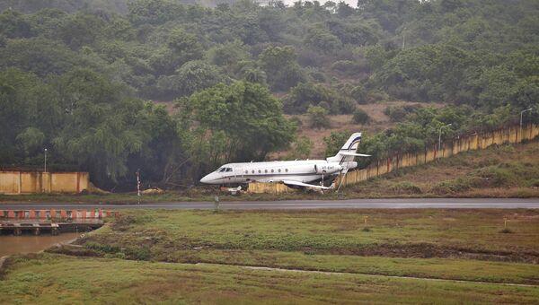 Самолет в аэропорту Ченнаи на юге Индии