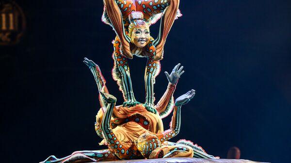 Артисты цирка Cirque du Soleil