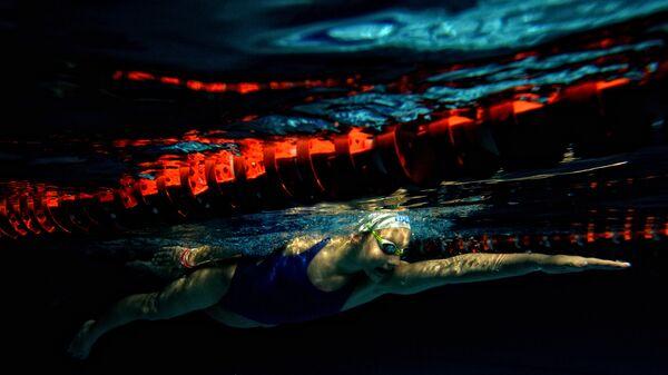 Тренировка по плаванию в спортивном комплексе Ледовый в Великом Новгороде. 2014 год