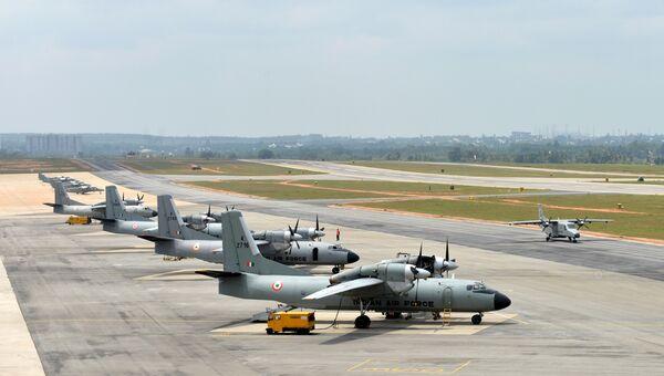 Самолеты Ан-32 ВВС Индии на авиабазе в Бангалоре