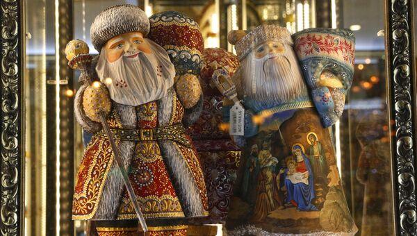Новогодние украшения Невского проспекта в Санкт-Петербурге. Архивное фото