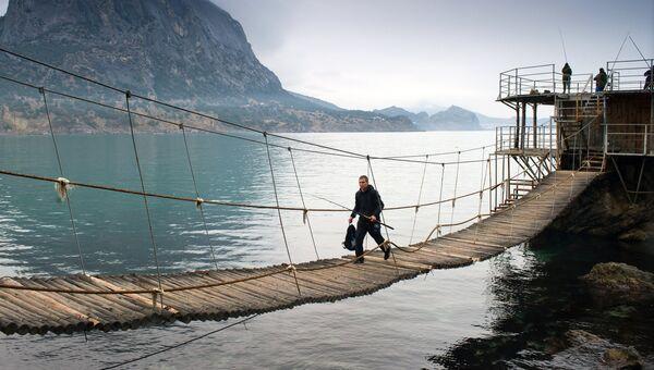 Рыбаки в поселке Новый Свет в Крыму. Архивное фото