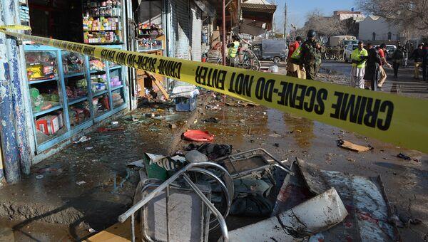 На месте взрыва в городе Кветта, Пакистан. 13 января 2016