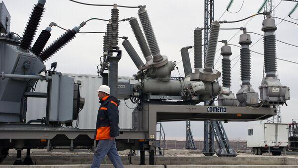 Силовое оборудование трансформаторов на площадке размещения мобильных газотурбинных электростанций. Архивное фото