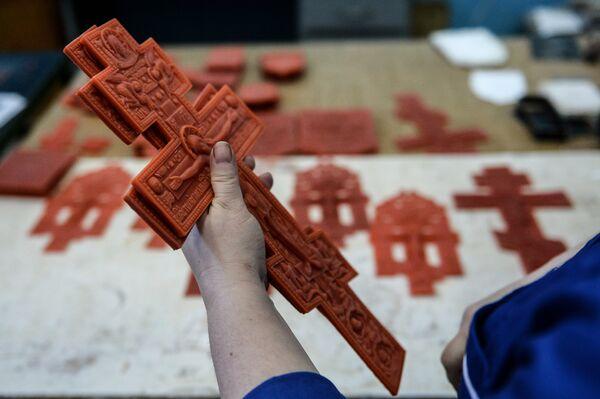 Восковые формы в цехе по производству церковной утвари и сувенирной продукции на предпирятии OOO Новгородское литье