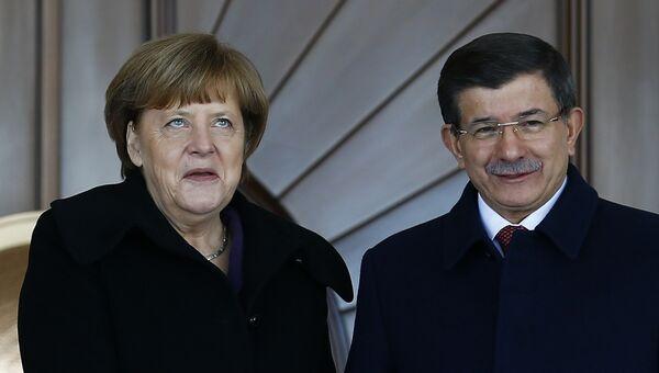 Канцлер Германии Ангела Меркель и премьер-министр Турции Ахмет Давутоглу во время встречи в Анкаре, Турция. Февраль 2016