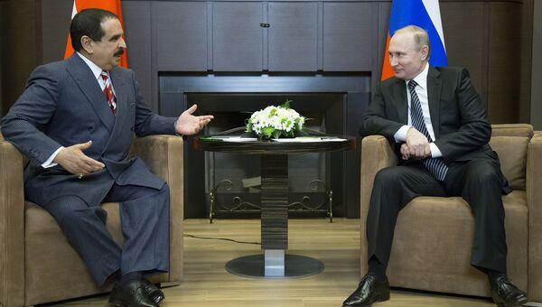 Президент России Владимир Путин во время переговоров с королем Бахрейна Хамадом бен Исой Аль Халифой. Февраль 2016