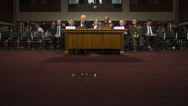Директор национальной разведки США Джеймс Клэппер на слушаниях в американском сенате