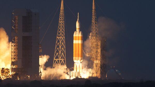 Старт ракеты Delta IV. Архивное фото