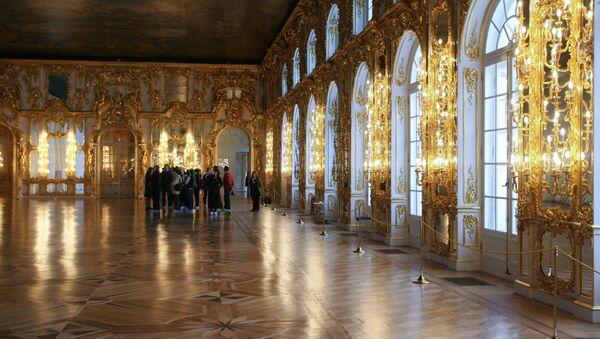 Большой зал Екатерининского дворца в Царском Селе. Архивное фото