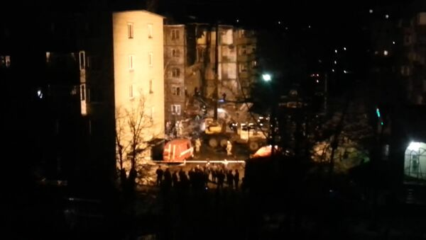 Подъезд дома обрушился из-за взрыва газа в Ярославле. Кадры с места ЧП