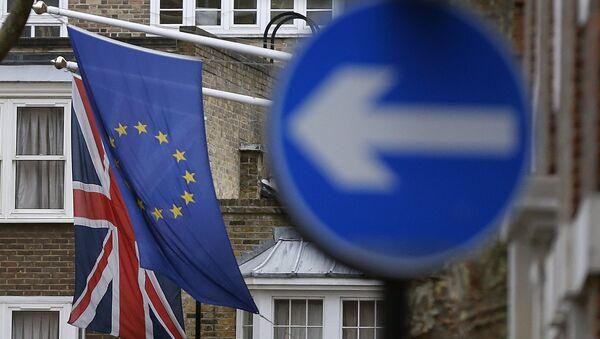 Флаги Великобритании и Европейского союза в Лондоне. Архив