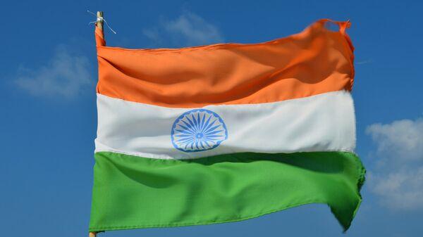 Флаги России и Индии