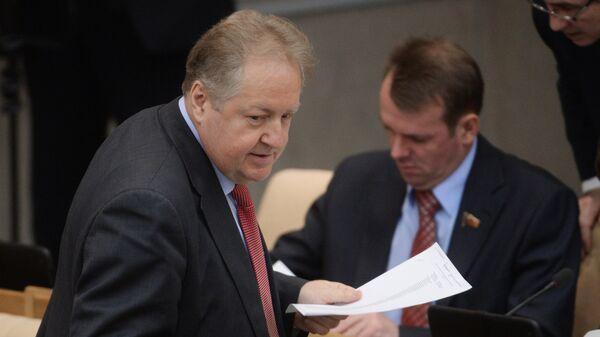 Член ЦК КПРФ Сергей Обухов