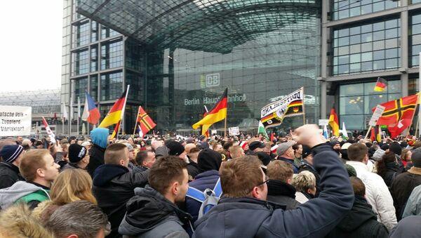 Митинг против политики Меркель в Берлине