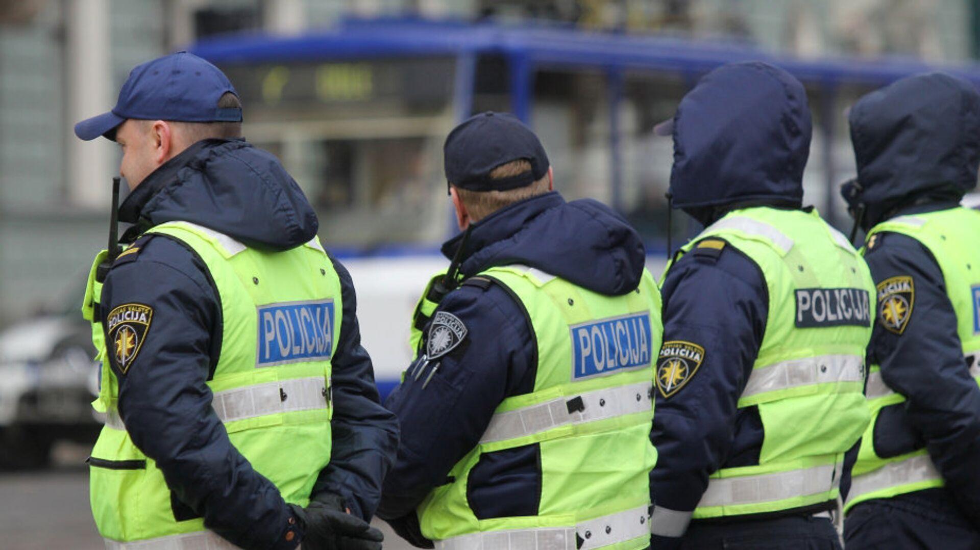 Стрингер из Латвии рассказала о многочасовом обыске у нее дома