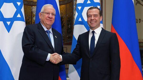 Премьер-министр РФ Д. Медведев встретился с президентом Израиля Р. Ривлином.