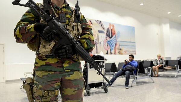 Военные в аэропорту Брюсселя. Архивное фото