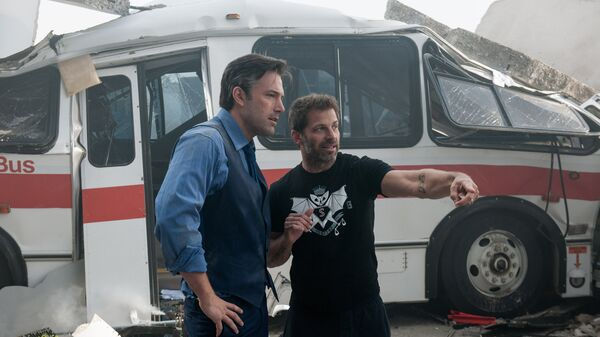 Актер Бен Аффлек и режиссер Зак Снайдер во время съемок фильма Бэтмен против Супермена: На заре справедливости