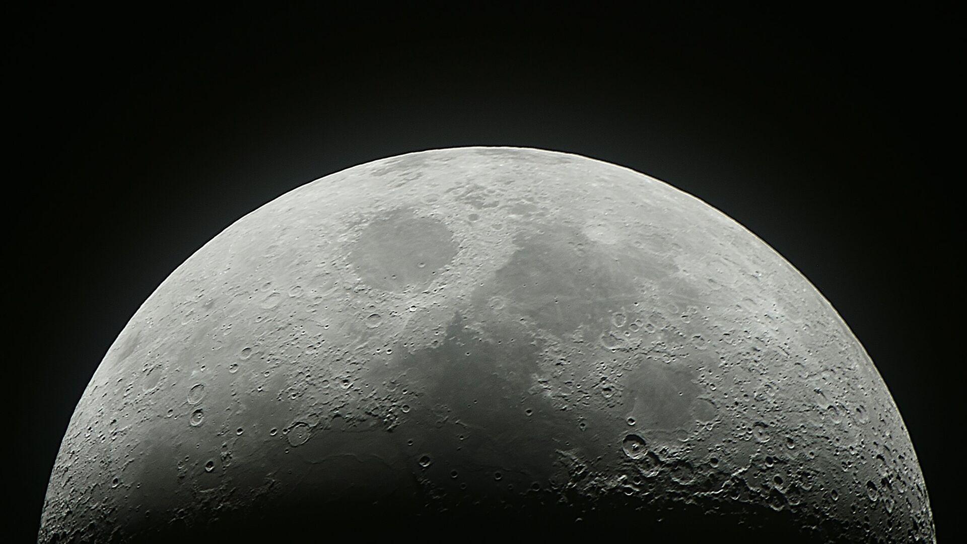 На Луне обнаружили более ста тысяч новых кратеров