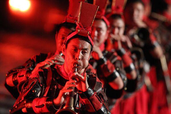 Участники культурной труппа Ши-хо из Синая на генеральной репетиции фестиваля Спасская башня 2011