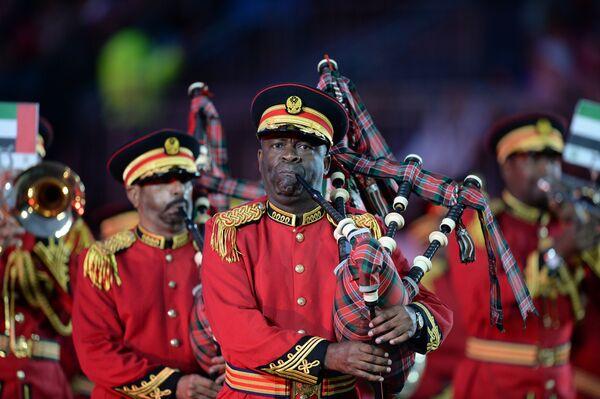 Оркестр полиции Абу-Даби (ОАЭ) на открытии международного военно-музыкального фестиваля Спасская башня на Красной площади в Москве