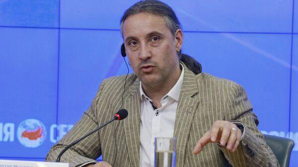 Депутат бундестага от партии Левые Александр Ной