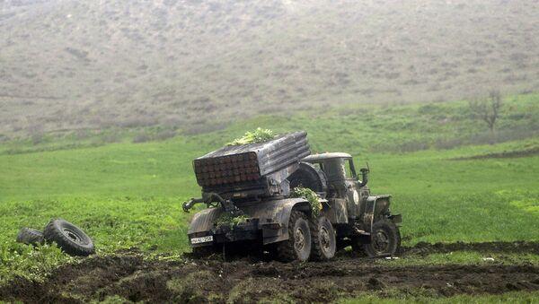 Автомобиль с установкой залпового огня Град в районе села Мадагис в зоне карабахского конфликта. Архивное фото