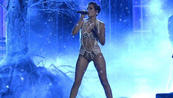 Певица Хэлси на премии MTV Movie Awards в Лос-Анджелесе