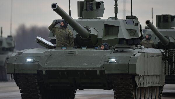 Танки Армата механизированной колонны войск Московского гарнизона Центрального военного округа. Архивное фото