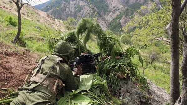 Совместные учения подразделений военной разведки государств-членов ОДКБ Поиск 2016 в Таджикистане. Архивное фото