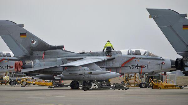 Немецкие истребители Торнадо на авиабазе Инджирлик в Турции