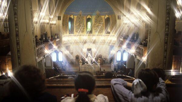 Служба в Большой хоральной синагоге. Архивное фото