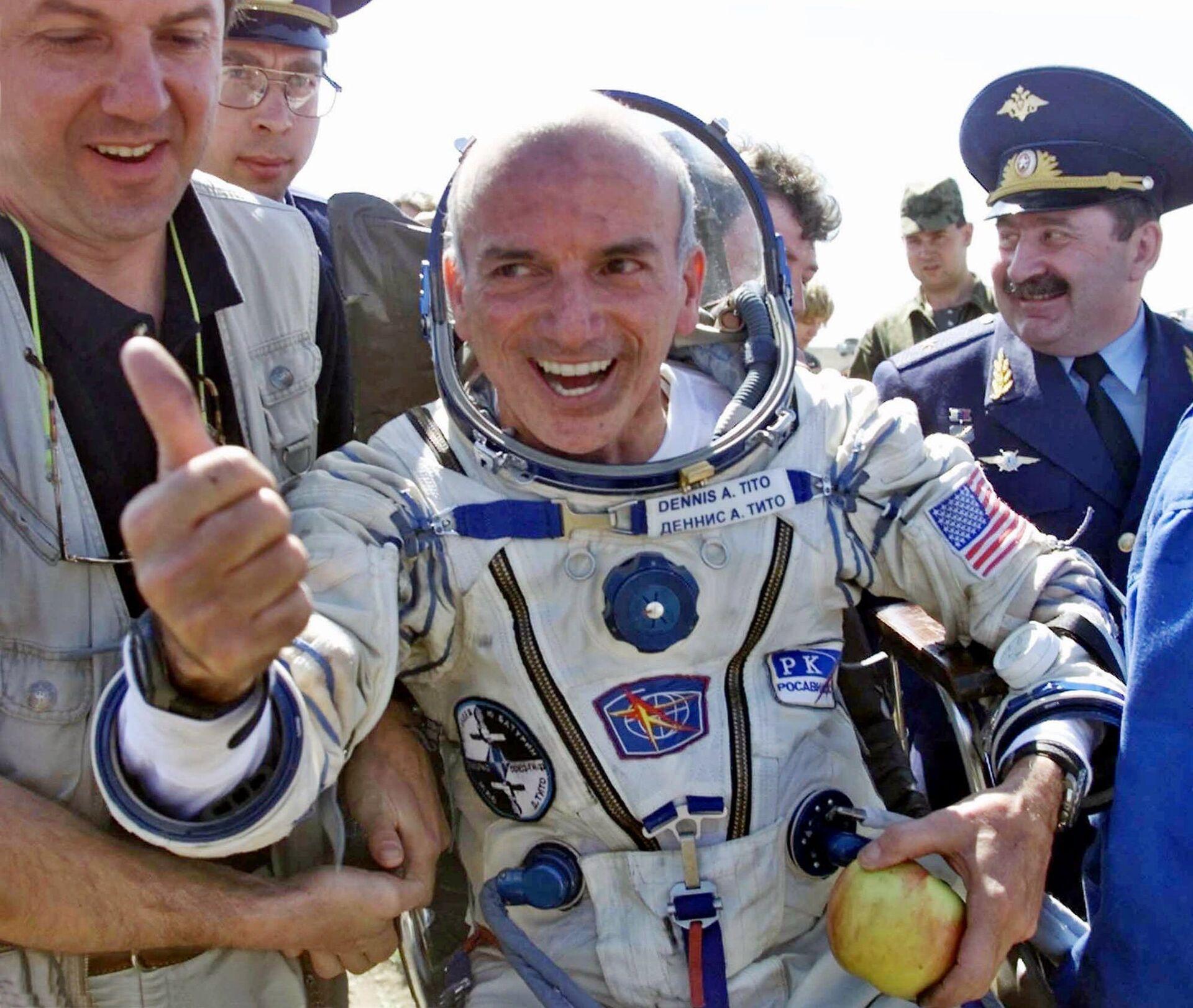 Первый космический турист американский бизнесмен Деннис Тито - РИА Новости, 1920, 23.04.2021