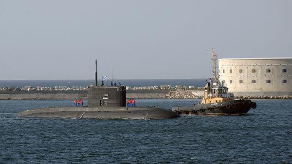 Подводная лодка Новороссийск в порту Севастополя. Архивное фото