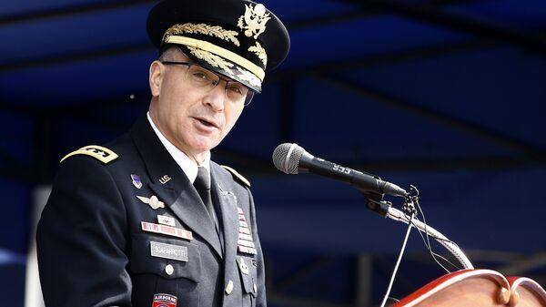 Командующий военным контингентом НАТО в Европе генерал Кёртис Скапаротти