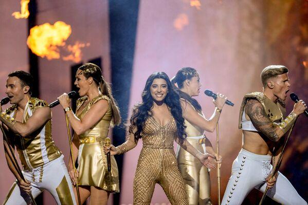 Выступление азербайджанской певицы Семры Рагимли в финале конкурса песни Евровидения-2016