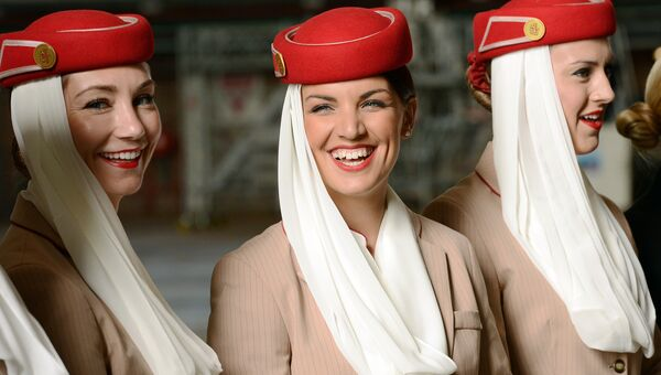 Стюардессы авиакомпании Emirates на пресс-конференции в аэропорту Сиднея