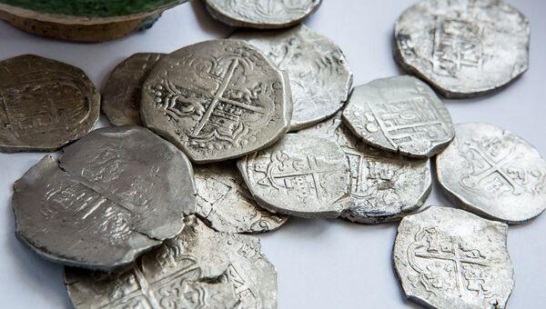 Монеты, найденные на месте будущей дороги, ведущей к Крымскому мосту