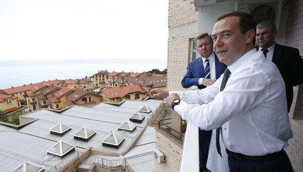 Рабочая поездка в Крым премьер-министра РФ Д. Медведева