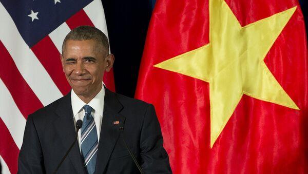 Президент США Барак Обама во время визита в Ханой, Вьетнам. 23 мая 2016 года