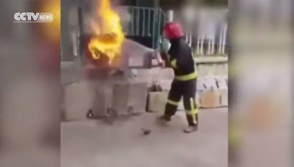 Потушить пожар колой? Легко!