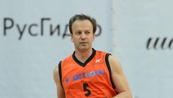 Аркадий Дворкович принимает участие в благотворительном баскетбольном матче в поддержку подопечных фонда Шаг вместе. Архивное фото